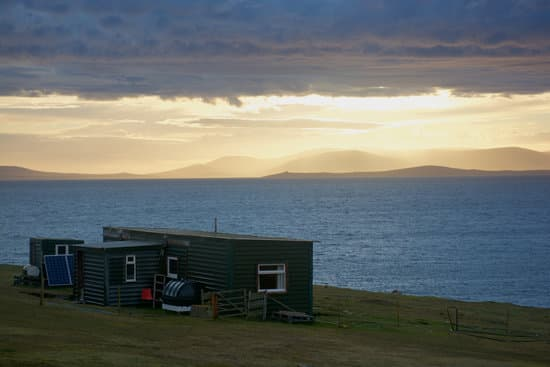 What Is Off Grid Living?