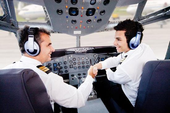 Pilots Handshaking