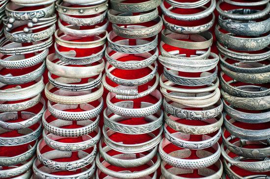 Cheap Souvenir Bangles