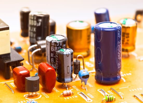 Using Capacitors with Solar Panels