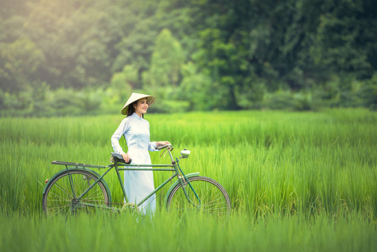 Bicycle, Woman, Green, Golf Club, Hats, Countryside