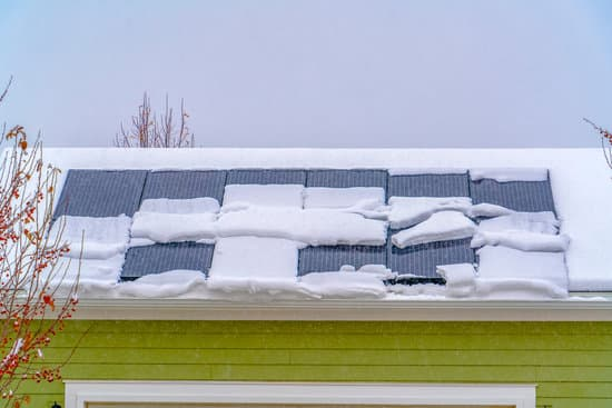 What Happens If There is Snow on Solar Panels?