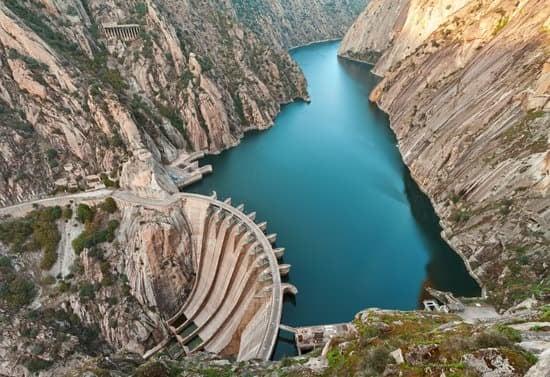 Artificial Dams